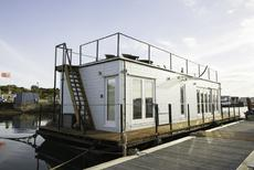 Eco Floating Home Great Rental Potential