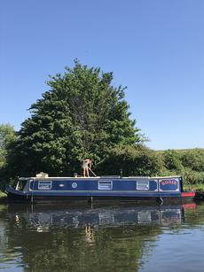 Rosie: Charming 45ft Narrowboat