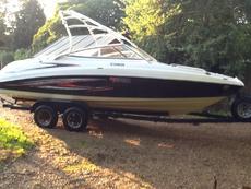 Yamaha ar230 twin engine speedboat