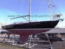 Hunter Mystery 35 Fin Keel Yacht