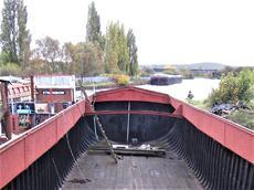44ft x 17ft 6inHumber Keel Barge- Stern