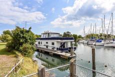 Stunning Modern Luxury Houseboat