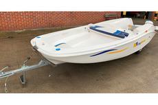 Ezyboat 4.4 m folding boat with trailer