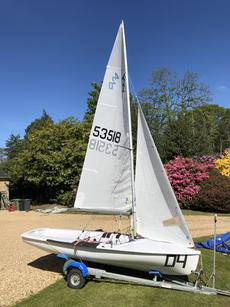 420-great condition & new sails
