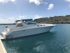 Online Auction: SeaRay 440 Sundancer motor yacht