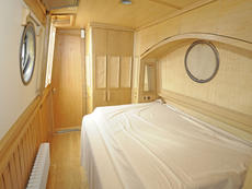 GONE BUSH 69ft 10in trad narrowboat with 4 berths