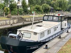 Very Sturdy 48ft Dutch barge liveaboard Widebeam for TALL PEOPLE
