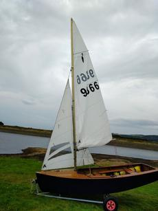 Heron Sailing Dinghy 9866