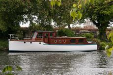 38ft CLASSIC MOTOR YAUGHT - IDYLLIC LONDON MOORING - TWIN-SCREW
