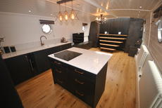 Beautiful Bespoke 60' x 12' Houseboat