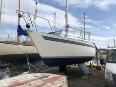 1983 moody 27, REDUCED
