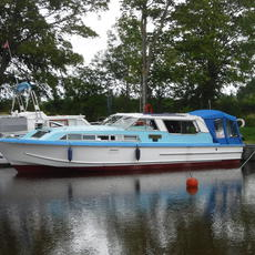 37foot AQUAFIBRE SEDAN CRUISER