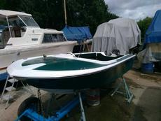 Broom Saturn Speedboat