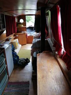35 foot narrow boat with potential mooring