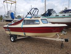 Cabin Cruiser 20 (available)