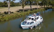 European Canal Cruiser - Ready for Immediate Cruising
