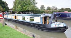 57' Semi Trad 2007 Reeves/Crown. Stunning condition