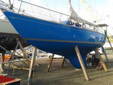 Classic Blue Water Cruiser