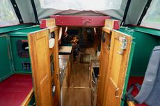 "SPRITE 50' x 6'10"" Narrowboat with a homely interior ambience"
