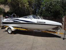 Celebrity 17ft speed boat with 125 Mercu