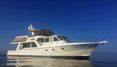 1998 Offshore Yachts Pilothouse