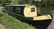 Newly Renovated 36ft Cruiser Stern