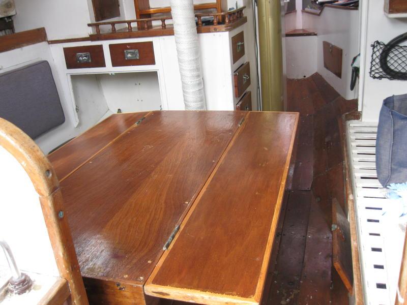 Alan Buchanan Saxon mahogany sloop