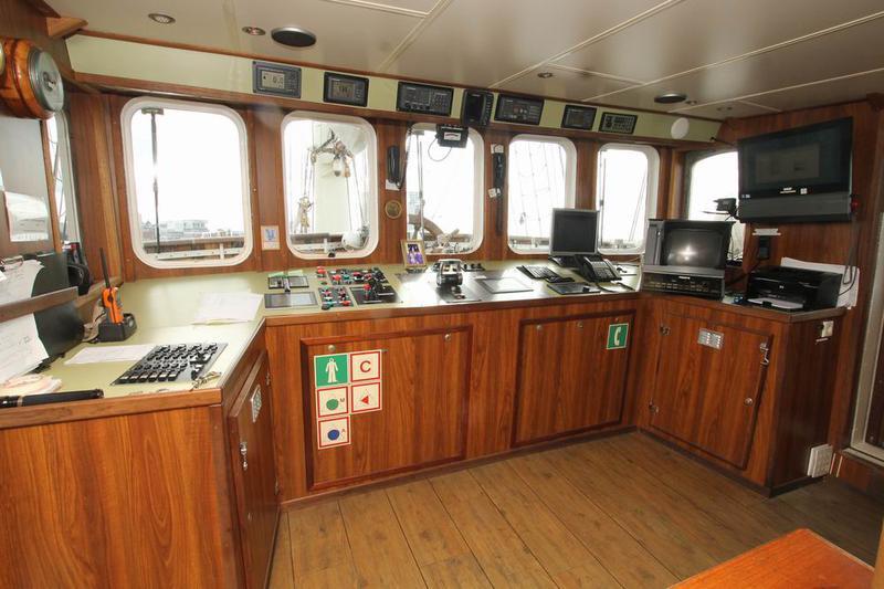 Ocean-going 3-mast topsail schooner Gulden Leeuw