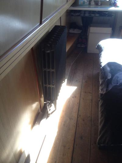 Bedroom cast iron radiator (2018)