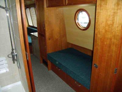 Single cabin from stern