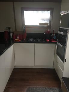 Kitchen Hob, Oven, Prep area