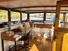 Wheelhouse: Dining/Living Area
