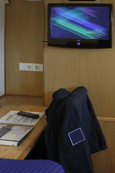 Double cabin TV/DVD system & Table