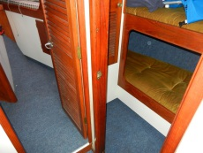Starboard cabin with 2 bunks