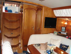 Starboard aft cabin and head entrance