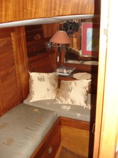 Aft cabin settee