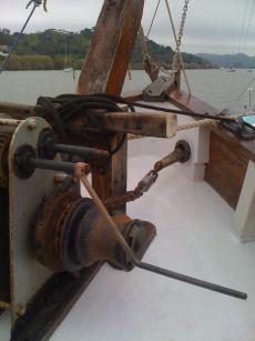 windlasswith one of 2handles