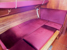 Using infill cushions the berth can be made into a double
