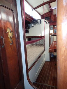 Lee-clothes on main cabin berths