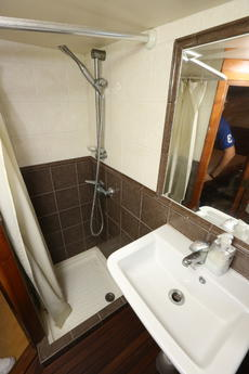Bow cabin shower
