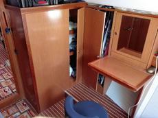 Forward Cabin - wardrobe