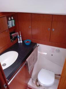 Ensuite Head and Sink