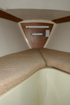 Front Cabin day Berth