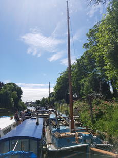 Mast at full height