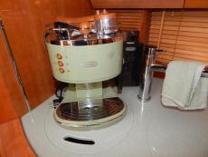 DeLonghi Equipment