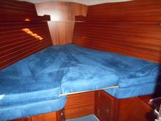 Maxi 1100 - Forward Cabin