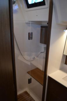sperate shower compartment