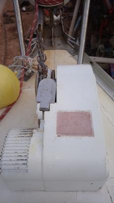 Windlass w/  remote to stern