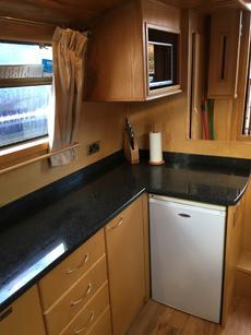 Microwave & 12V fridge