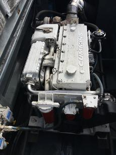 Starbord Engine 5000 hours